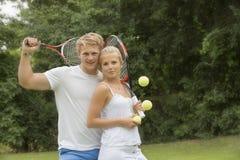 Stående av unga tennisspelare Arkivbilder