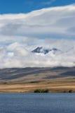 Stående av Volcano Potts bak sjön Clearwater, Nya Zeeland Fotografering för Bildbyråer