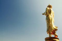 Stående Buddha Royaltyfria Foton
