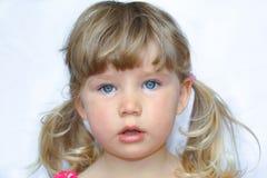 Stående för barn` s av en flicka royaltyfria bilder