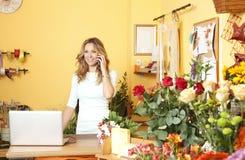 Stående för blomsterhandelägare royaltyfria bilder