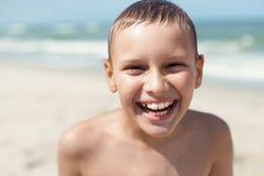 Stående för closeup för leende för barn för Orthodontic hänglsen lycklig arkivfoton