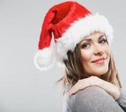Stående för framsida för härligt för Santa Claus för ung kvinna slut hatt övre Arkivbild