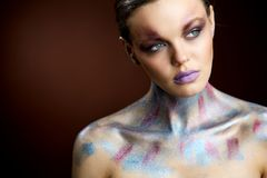 Stående för konst för skönhetkvinnaframsida idérik royaltyfri foto