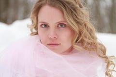 Stående för rosa färgvinterkvinna Royaltyfri Fotografi