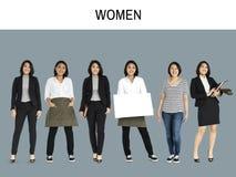 Stående för studio för asiatisk kvinnauppsättninggest isolerad stående arkivbilder
