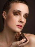 Stående med chokladmakeup Arkivfoton