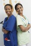 Stående medicinska professionell tillbaka att dra tillbaka Royaltyfria Foton