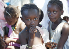 Stående på afrikanska barn Royaltyfria Bilder