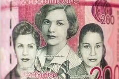 Stående på 200 Peso pengarräkning från Dominikanska republiken royaltyfri foto