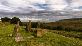 Stående stenar - North Yorkshire heder - UK Royaltyfria Foton