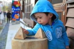 Ståendeasia pojke Fotografering för Bildbyråer