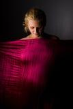 ståendegravid kvinna fotografering för bildbyråer