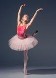 Ståenden av ballerina i balett poserar Arkivfoton