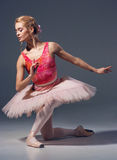 Ståenden av ballerina i balett poserar Royaltyfria Bilder