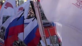 Ståendena på mars i minne av Boris Nemtsov stock video