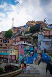 Ståenderiktning av Comuna 13, Medellin Royaltyfri Fotografi