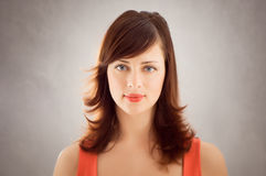ståendetappningkvinna Royaltyfri Fotografi