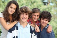 ståendetonåringar Royaltyfri Foto