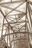 Stål iscensatt huvudvägbrostruktur arkivfoton
