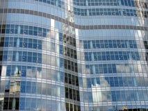 Stål och glass modern kontorsbyggnad Fotografering för Bildbyråer