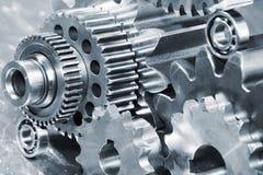 Stål- och titanmaktdelar och mekaniker Arkivbild