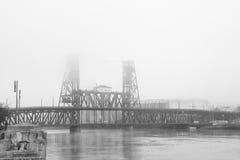 Stålbro i Portland Oregon Royaltyfri Foto