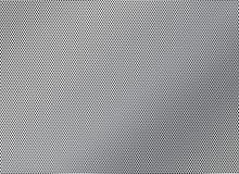 Stålingreppet med rundan spela golfboll i hål närbild arkivfoto