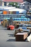 Stålmetallark och rulle i port Royaltyfri Foto