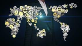 Stålsätter den rörande skärmen för affärskvinnan, guld- kugghjul som gör den globala världskartan globalt förbind teknologi 1 arkivfilmer