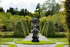 STÅNDSMÄSSIGA OFFALY, IRLAND - AUGUSTI 23, 2017: Birrslottträdgårdar i ståndsmässiga Offaly, Irland Royaltyfria Foton