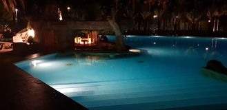 Stång på simbassängen royaltyfri foto