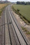 Järnvägar och landssida Royaltyfria Bilder