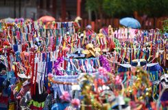 Ståta av dans för phi-Khon-Nam för regnceremonifestival Arkivbild