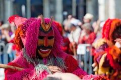 Ståta av dräkter och traditionella maskeringar av Iberia Royaltyfri Foto