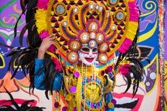 Ståta av färgrik le maskering på 2018 den Masskara festivalen, Bacol arkivfoton