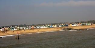 Ståta av strandkojor Arkivfoto