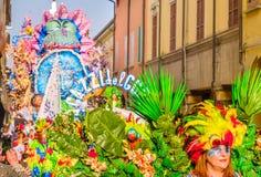 Ståta flöteCento-karnevalet royaltyfri fotografi