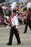 Ståta kvinnan för marschmusikbandet Royaltyfri Foto