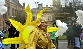 Ståtar den årliga händelsen för den Londonderry /Derry staden för att fira dag för St Patrick's Arkivbilder