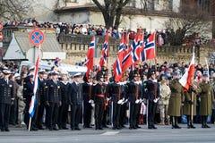 ståtar den militära norrmannen för guardheder Fotografering för Bildbyråer