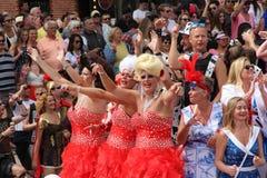 Ståtar kanalen Amsterdam för glad stolthet royaltyfri foto