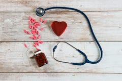 Stéthoscope avec le coeur Photographie stock