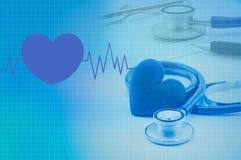 Stéthoscope et coeur médicaux Photographie stock libre de droits