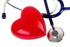 Stéthoscope médical et coeur rouge Photos libres de droits