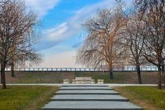 Stół cisza Ja jest kamiennym rzeźbą robić Constantin Brancusi zdjęcie stock