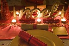 Stół dekorująca czerwień i złoto dla święto bożęgo narodzenia Obraz Stock