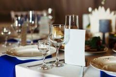 Stół dekorujący dla przyjęcia weselnego Obraz Stock
