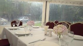 Stół dla gości przed słuzyć zbiory