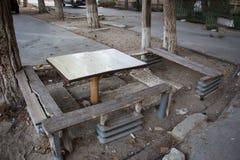 Stół i ławki zdjęcie stock